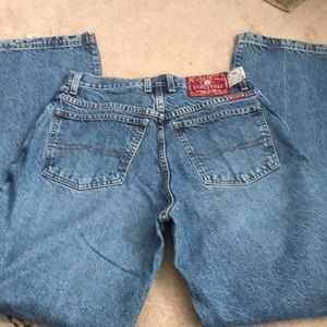Lucky brand dungarees 96. Size 31 x 34 1/2